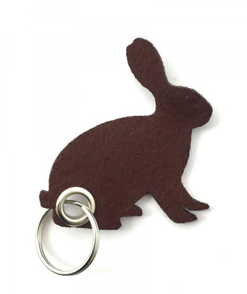 Hase / sitzend / Ostern - Filz-Schlüsselanhänger - Farbe: braun - optional mit Gravur / Aufdruck