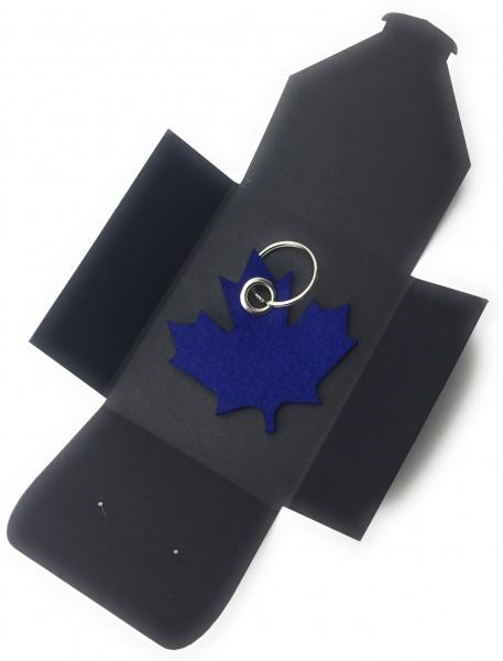 Schlüsselanhänger aus Filz optional mit Namensgravur - Ahornblatt / Kanada - königsblau als Schlüss