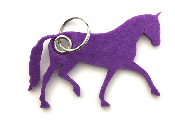 Pferd / Dressur / Reiten /laufend - Filz-Schlüsselanhänger - Farbe: lila / flieder - optional mit Gr