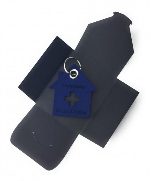 Schlüsselanhänger aus Filz optional mit Namensgravur - Haus mit Kreuz - marineblau als Schlüsselanh