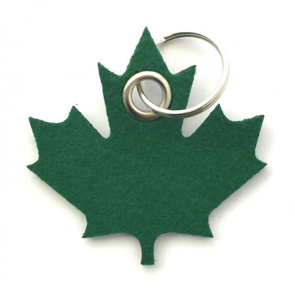 Ahorn-Blatt / Kanada - Filz-Schlüsselanhänger - Farbe: waldgrün - optional mit Gravur / Aufdruck