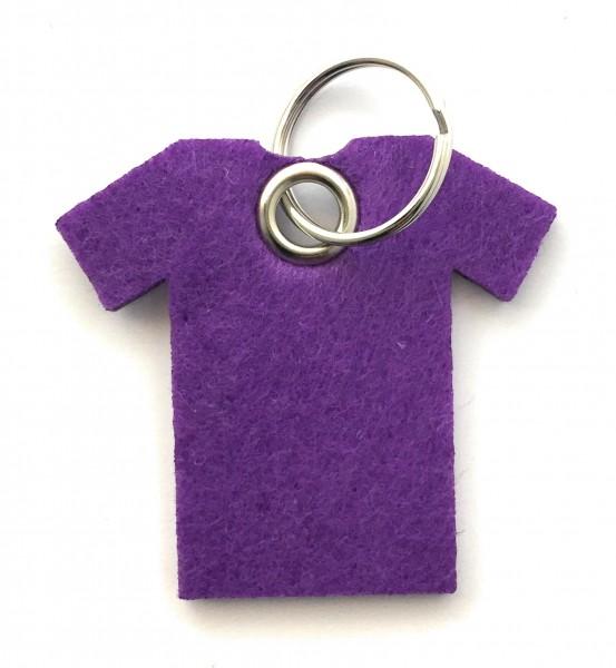 T-Shirt - Filz-Schlüsselanhänger - Farbe: lila / flieder - optional mit Gravur / Aufdruck
