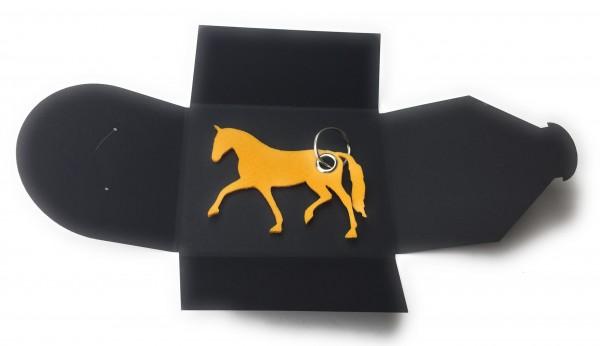 Schlüsselanhänger aus Filz optional mit Namensgravur - Pferd / Dressur / Reiten - safrangelb als Sch