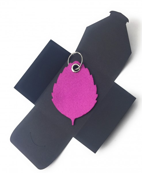 Schlüsselanhänger aus Filz optional mit Namensgravur - Blatt / Laub / Baum - pink / magenta als Sch
