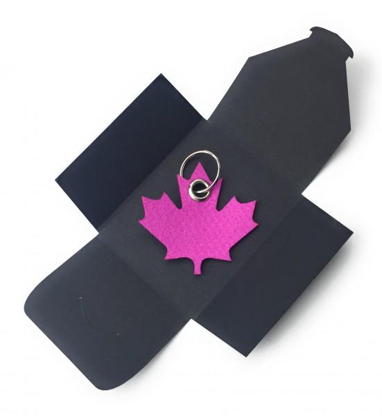 Schlüsselanhänger aus Filz optional mit Namensgravur - Ahornblatt / Kanada - pink / magenta als Sch