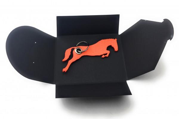 Schlüsselanhänger aus Filz optional mit Namensgravur - Pferd / Springreiten - orange als Schlüsselan