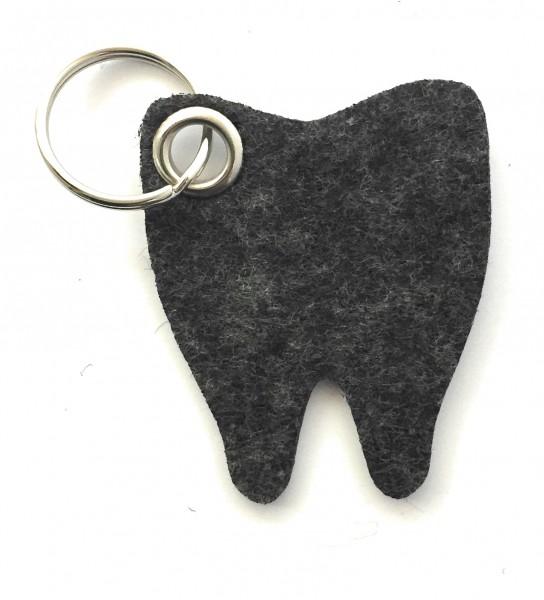 Backen - Zahn - Filz-Schlüsselanhänger - Farbe: schwarz meliert - optional mit Gravur / Aufdruck