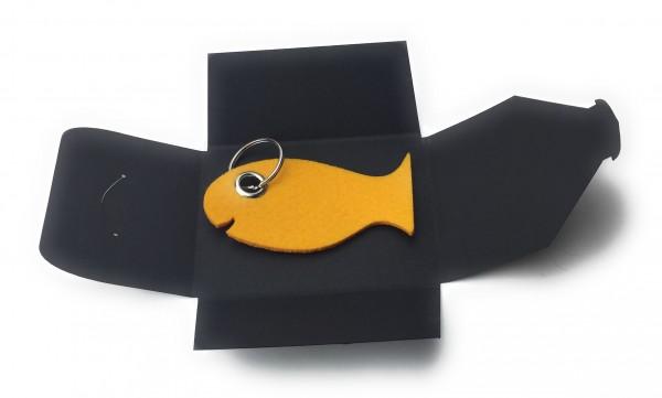 Schlüsselanhänger aus Filz optional mit Namensgravur - Fisch / Tier - safrangelb als Schlüsselanhäng